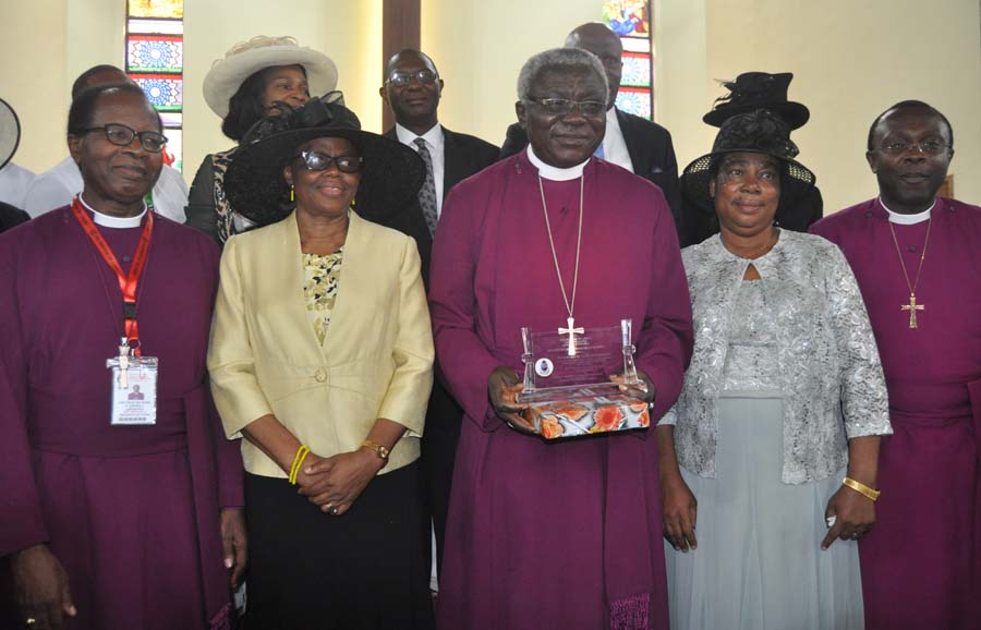 L-r Most Reverend Ephraim Ademowo his wife, Mrs. Oluranti,The most Rev Caleb Maduoma,his wife Onyinyechi, Bishop of Ife Rt Rev Yinka Akinlade